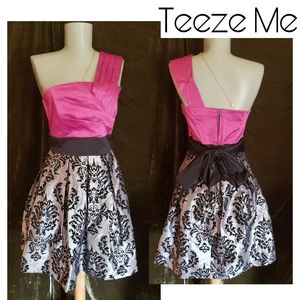 Teese Me one shoulder brocade party dress.  Sz 5